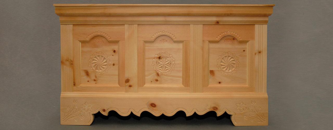 Mobili rustici tornitore prodotti in legno di cembro for Mobili bolzano